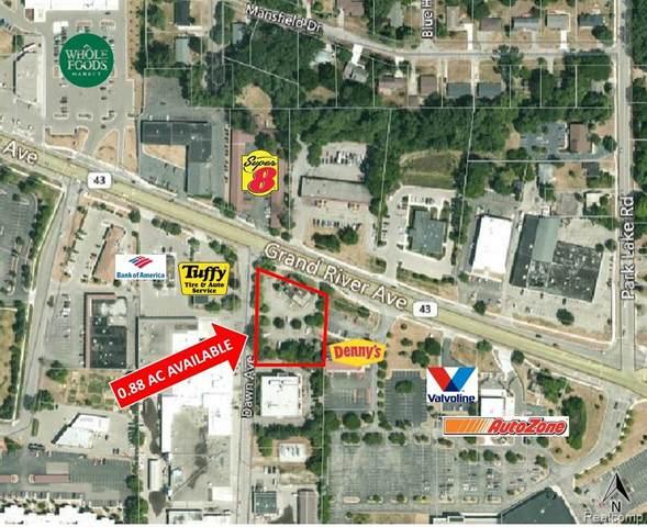 2703 E Grand River Avenue, East Lansing, MI 48823 (MLS #2200041869) :: The Toth Team