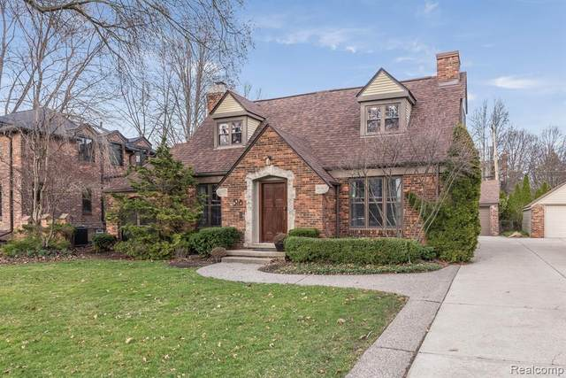 518 Barrington Road, Grosse Pointe Park, MI 48230 (#2200043155) :: Novak & Associates