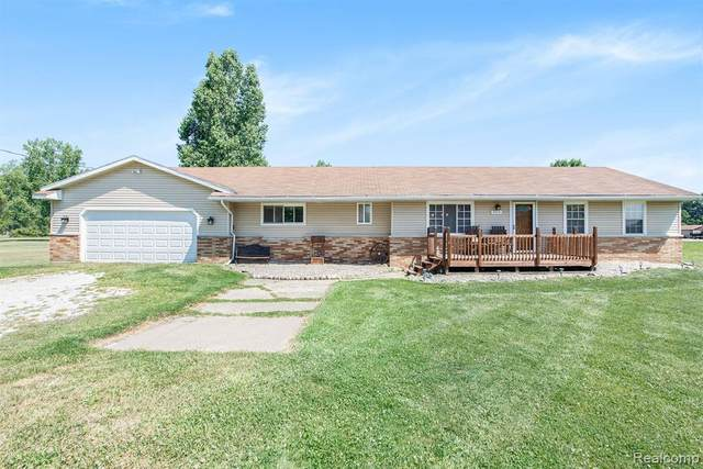 7310 Frith Road, ST. CLAIR TWP, MI 48079 (#2200043253) :: Alan Brown Group