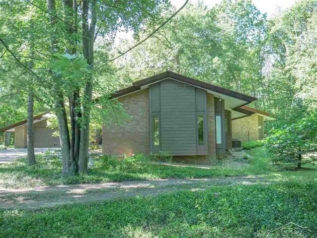 3909 Valley Drive, Midland, MI 48640 (#61050014400) :: GK Real Estate Team