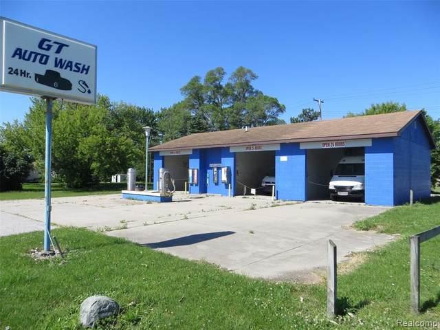 6675 Center Street, Unionville Vlg, MI 48767 (MLS #2200045454) :: The John Wentworth Group
