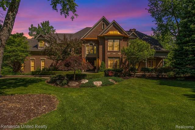 7873 Shores Pointe Dr, Genoa Twp, MI 48116 (#2200045534) :: Alan Brown Group