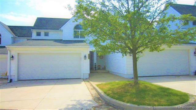24123 Tana Court #8, Farmington Hills, MI 48335 (#2200045711) :: Keller Williams West Bloomfield