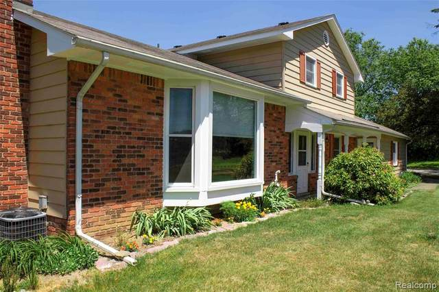 2120 Bowen Road, Howell Twp, MI 48855 (#2200046382) :: Novak & Associates