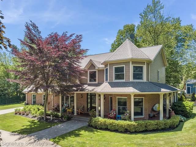 3850 Shady Beach Boulevard, Orchard Lake Village, MI 48324 (#2200046385) :: The Alex Nugent Team | Real Estate One