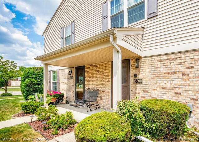 15800 Charleston Drive #236, Clinton Twp, MI 48038 (#2200046439) :: Novak & Associates