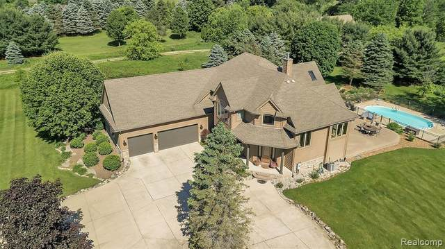 12479 Ridgecrest Lane, Brighton Twp, MI 48380 (#2200047132) :: Alan Brown Group