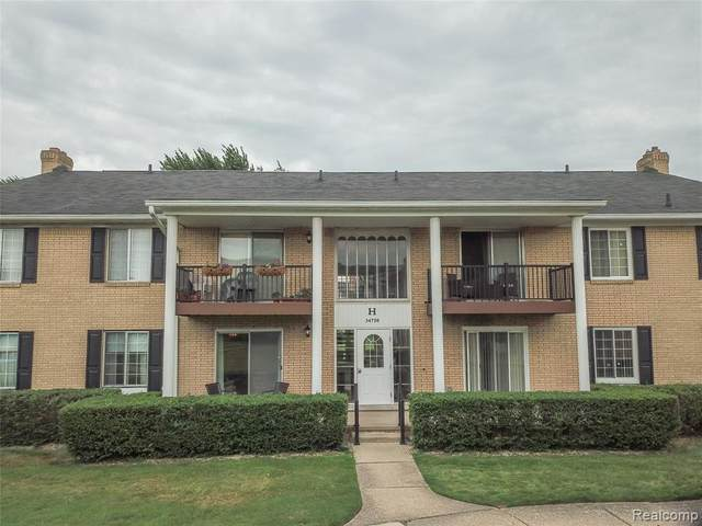 34720 Huntley Dr, Bldg-H Unit#15, Sterling Heights, MI 48312 (MLS #2200047391) :: The Toth Team