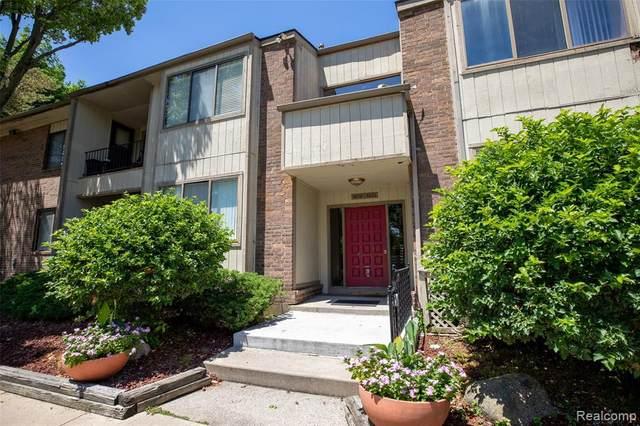 5876 Vassar, West Bloomfield Twp, MI 48322 (#2200047555) :: GK Real Estate Team