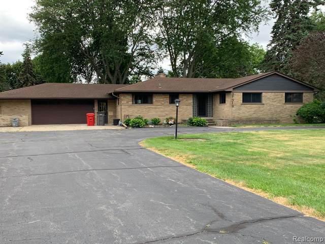 37312 Moravian Drive, Clinton Twp, MI 48036 (MLS #2200047610) :: The John Wentworth Group