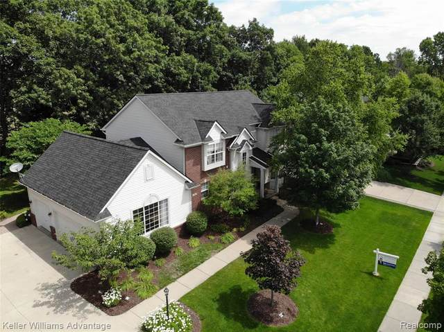 1165 Gentry Drive, South Lyon, MI 48178 (#2200047914) :: Novak & Associates