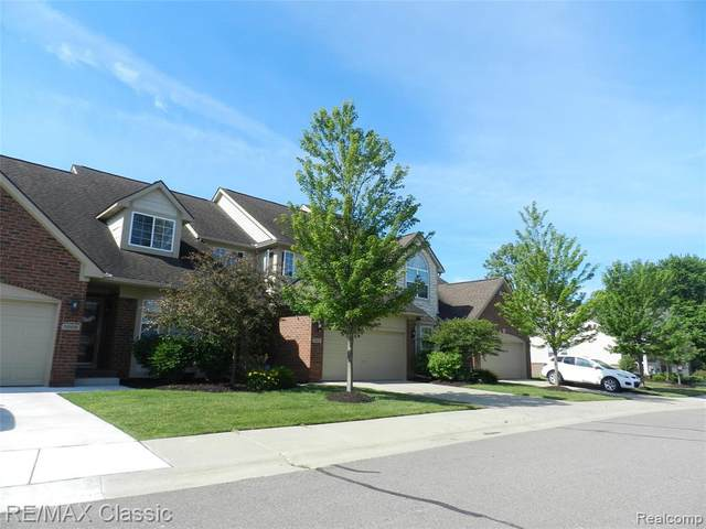 1012 Paddock Ln #55, South Lyon, MI 48178 (#2200048339) :: Novak & Associates