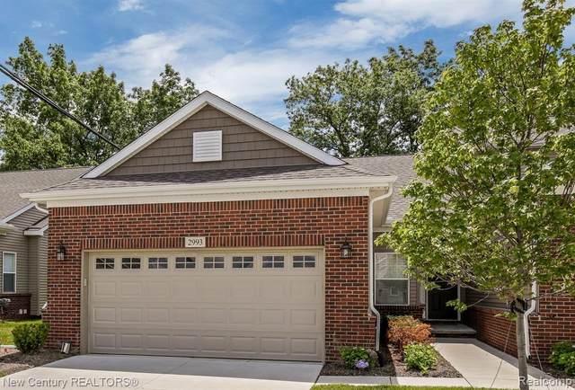 2993 Brentwood Rd, Auburn Hills, MI 48326 (#2200048587) :: Novak & Associates