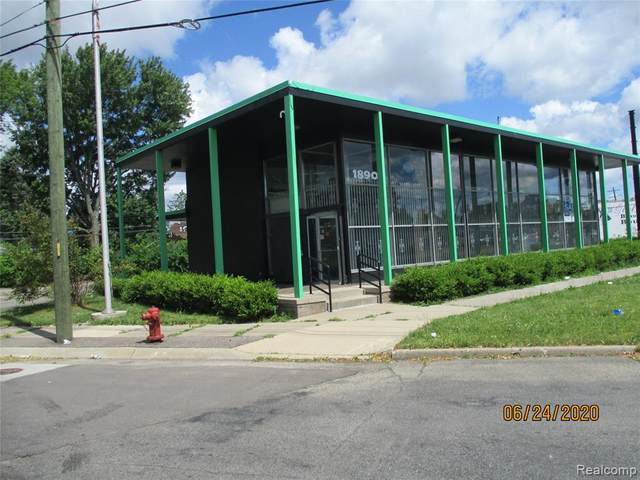 18901 Kelly Road, Detroit, MI 48224 (#2200049659) :: The BK Agency