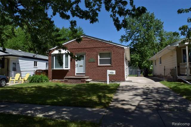 18620 Kinloch, Redford Twp, MI 48240 (#2200049780) :: The BK Agency