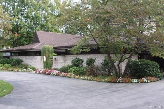 3600 Valley Drive, Midland, MI 48640 (#2200049922) :: GK Real Estate Team