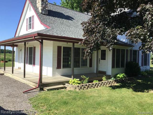 6105 Armstrong Road, Goodland Twp, MI 48444 (MLS #2200050092) :: The Toth Team