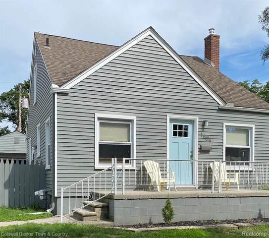 1604 N Alexander Avenue, Royal Oak, MI 48067 (#2200050251) :: The Alex Nugent Team   Real Estate One
