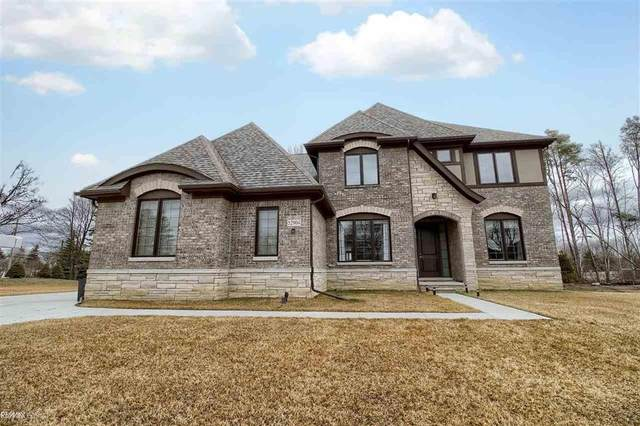 52904 Forest Grove Dr, Shelby Twp, MI 48315 (#58050016259) :: The Alex Nugent Team | Real Estate One