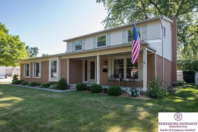 16600 Golfview, Livonia, MI 48154 (MLS #543274511) :: The John Wentworth Group