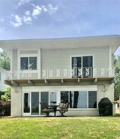5090 Durnham Drive, Waterford Twp, MI 48327 (#2200050625) :: GK Real Estate Team