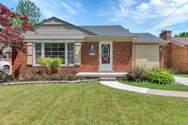 20531 Chalon St, Saint Clair Shores, MI 48080 (#2200050658) :: The Alex Nugent Team | Real Estate One