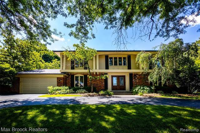 3275 Bloomfield Shore Drive, West Bloomfield Twp, MI 48323 (#2200050690) :: The Alex Nugent Team | Real Estate One