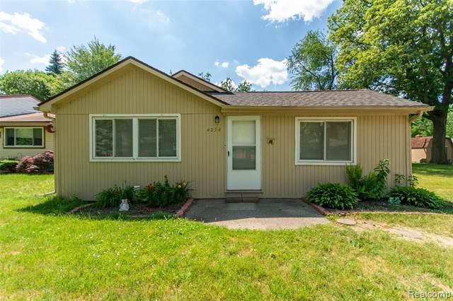 4234 Crestdale Avenue, West Bloomfield Twp, MI 48323 (#2200050841) :: The Alex Nugent Team | Real Estate One