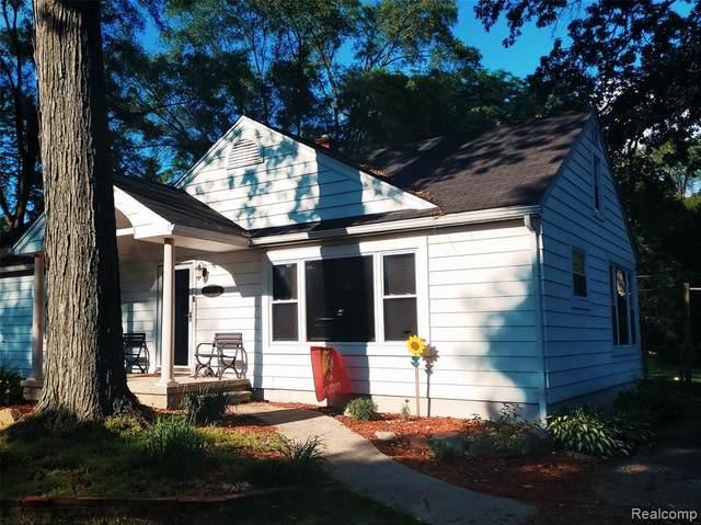 15536 Fairfield Street, Livonia, MI 48154 (#2200051051) :: Novak & Associates