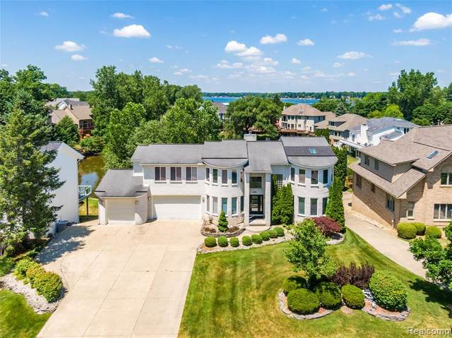 1078 Forest Bay Drive, Waterford Twp, MI 48328 (#2200051060) :: GK Real Estate Team