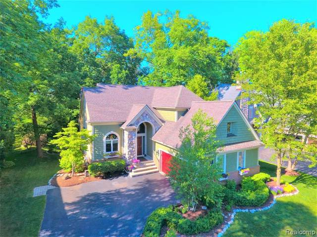 7016 Peninsula Circle E, Independence Twp, MI 48346 (#2200051071) :: The Alex Nugent Team | Real Estate One