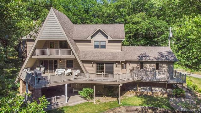 175 Barr Road, Addison Twp, MI 48370 (#2200051114) :: The Mulvihill Group