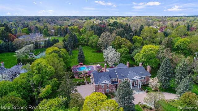 1115 Country Club Road, Bloomfield Hills, MI 48304 (MLS #2200051122) :: The Toth Team