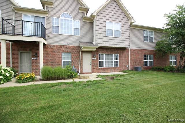 20019 Hidden Oaks Drive, Brownstown Twp, MI 48183 (#2200051620) :: The Mulvihill Group