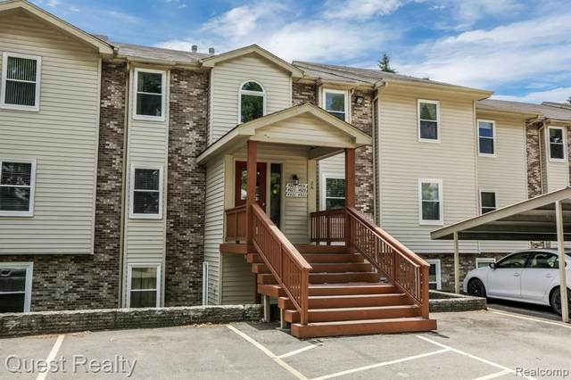 4923 Harbor Point Dr # 20, Waterford Twp, MI 48329 (#2200051658) :: RE/MAX Nexus