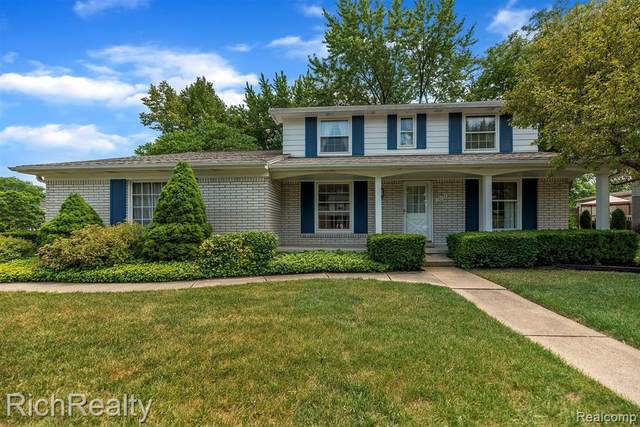 12176 Wildwing Road, Plymouth Twp, MI 48170 (#2200051694) :: GK Real Estate Team