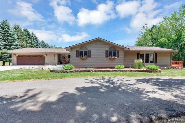 4110 Curtis Road, Addison Twp, MI 48367 (#2200051741) :: The Mulvihill Group