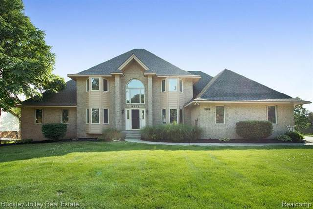 4332 Oak Pointe Drive, Genoa Twp, MI 48116 (#2200051823) :: Alan Brown Group