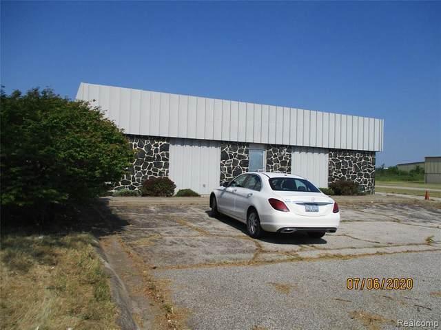 221-225 W Morley Drive, Buena Vista Twp, MI 48601 (#2200052303) :: Keller Williams West Bloomfield