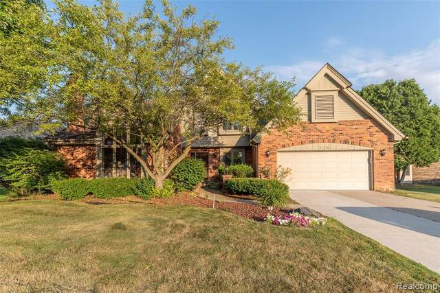 31170 Country Ridge Circle, Farmington Hills, MI 48331 (#2200052435) :: The BK Agency