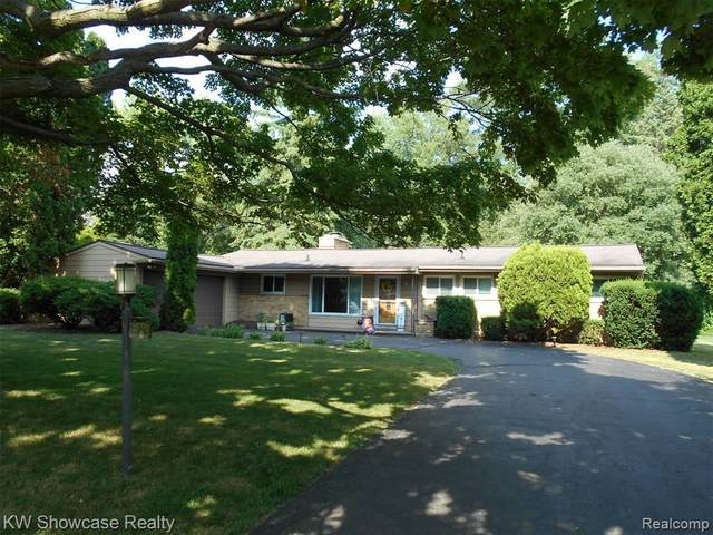 32396 Tareyton Street, Farmington Hills, MI 48334 (#2200052474) :: The BK Agency