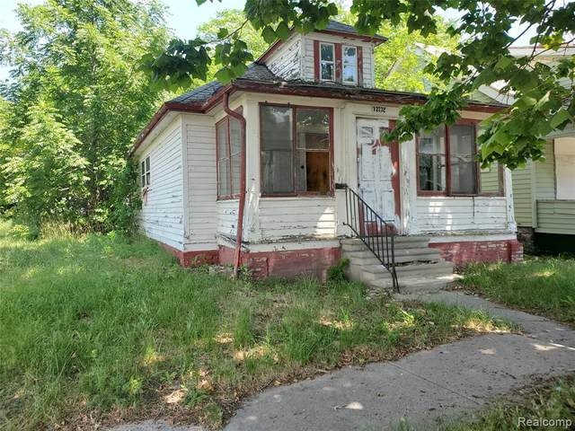 13232 Arlington Street, Detroit, MI 48212 (#2200052541) :: The Merrie Johnson Team