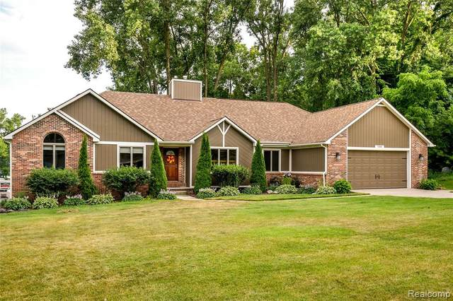 7335 Surfwood Drive, Tyrone Twp, MI 48430 (#2200052648) :: GK Real Estate Team