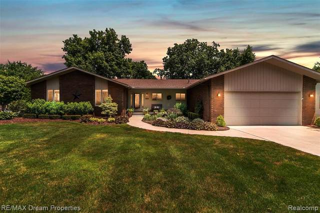 11932 Leighwood Drive, Plymouth Twp, MI 48170 (#2200052659) :: GK Real Estate Team