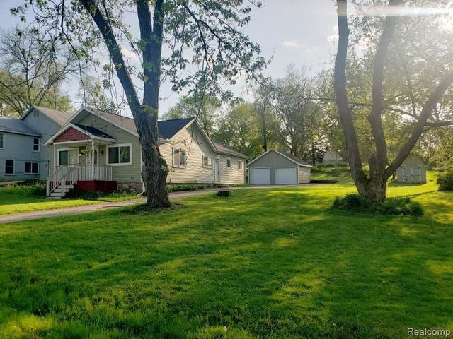 825 Elkinford Drive, White Lake Twp, MI 48383 (#2200052679) :: RE/MAX Nexus