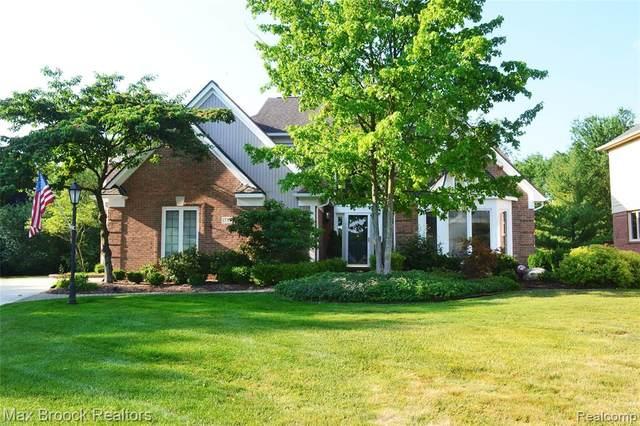 3795 Warwick Drive, Rochester Hills, MI 48309 (#2200052762) :: Novak & Associates