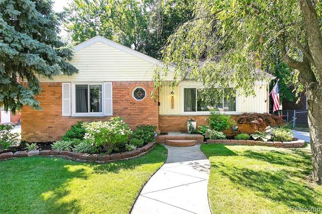 3033 Woodslee Drive, Royal Oak, MI 48073 (#2200052779) :: GK Real Estate Team