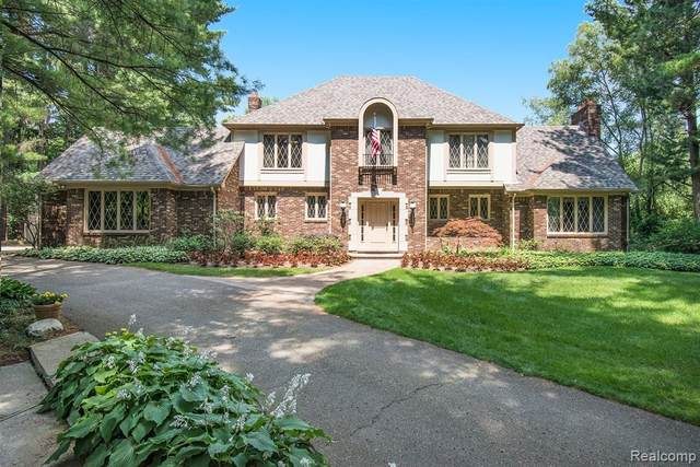 1251 Hidden Harbor, Commerce Twp, MI 48390 (#2200052784) :: Novak & Associates