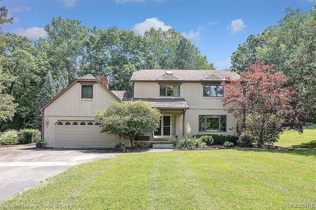 4901 Brighton Oaks Trail, Genoa Twp, MI 48116 (#2200052794) :: Alan Brown Group