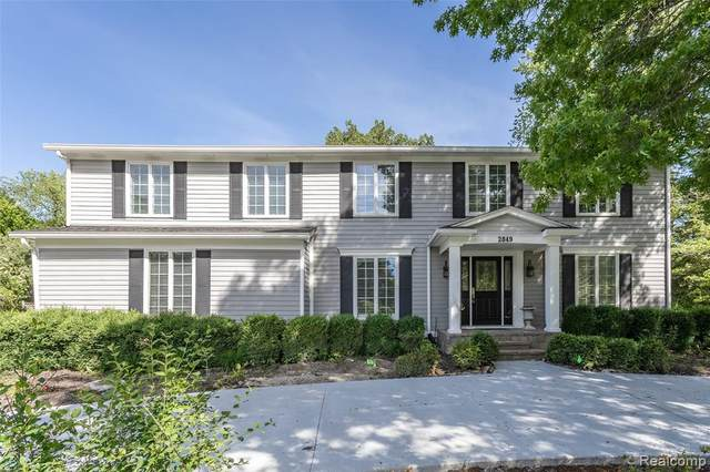 2849 Whittier Drive, Bloomfield Twp, MI 48304 (#2200052898) :: GK Real Estate Team